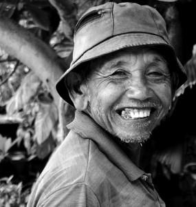 Senyumnya kakek yang bahagia liat cucu nya mimik es tumpeh tumpeh